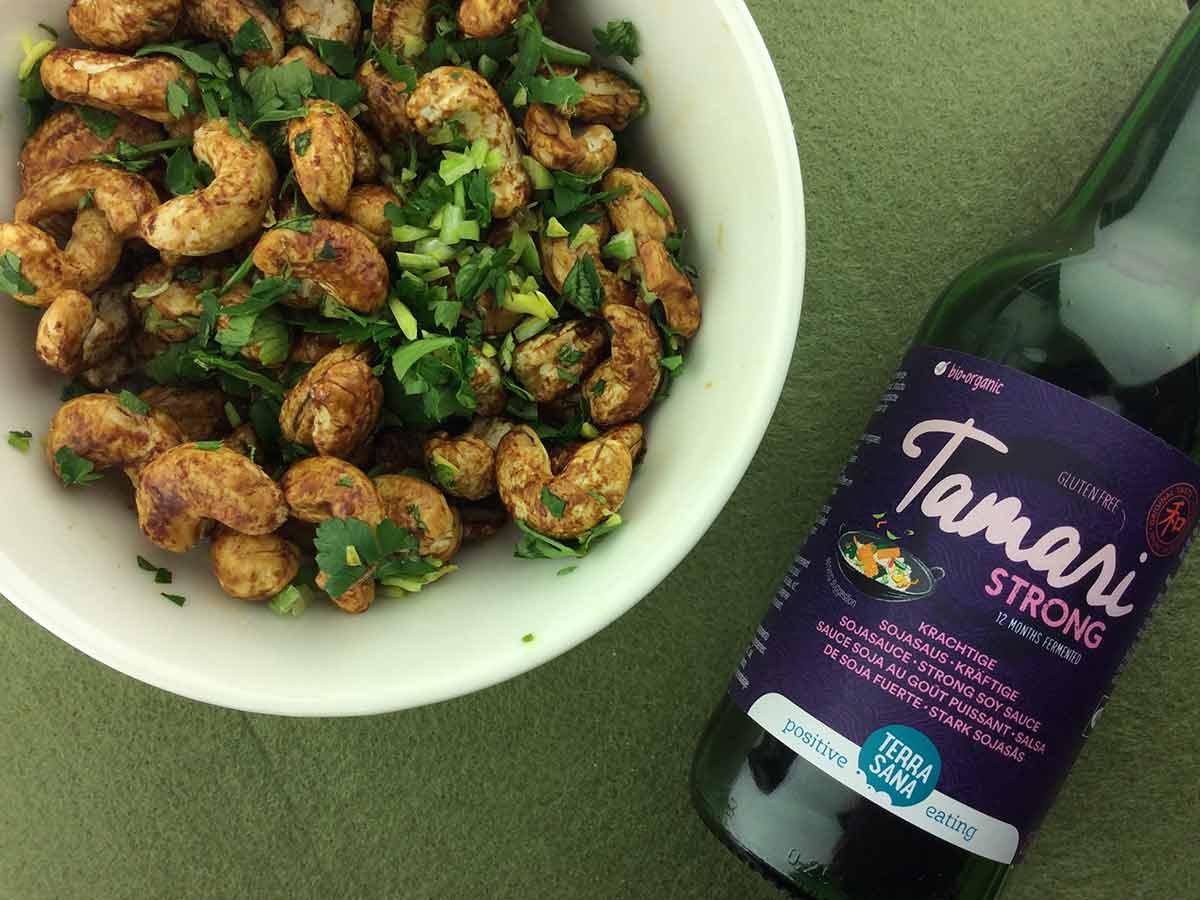 Cashew Snack - Pikant geröstet mit Tamarin und Petersilie