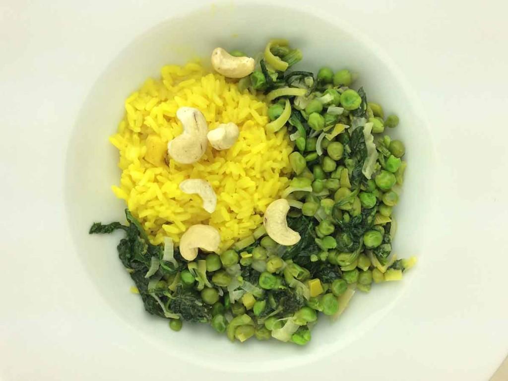 Spinat mit Erbsen und Reis